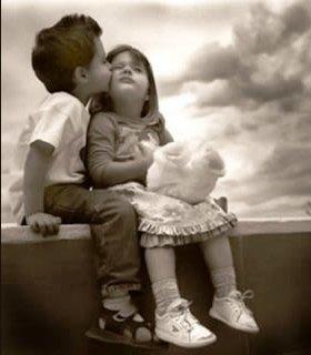 bambini-si-baciano