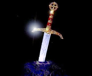spada-nella-roccia-noir