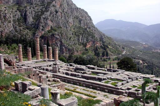 Apollo-tempio-Delfi