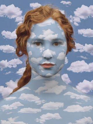 Magritte-Donna-nuvole
