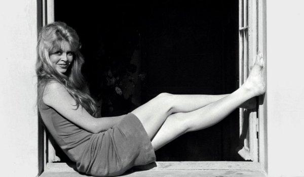 Brigitte-Bardot-finestra