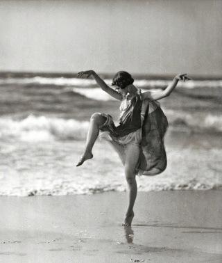 Isadora-Duncan-spiaggia