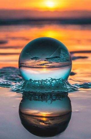 surreal-sfera-cristallo