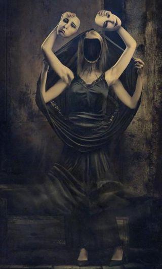 donna-nera-maschere