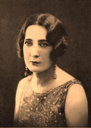 Nadja-Leona-Delcourt