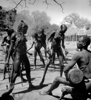 nubiane-dancing-ZRT