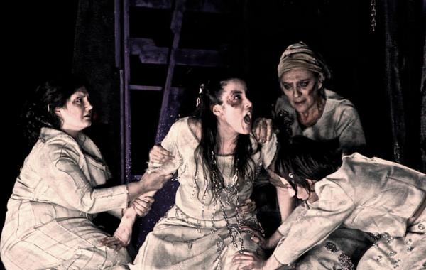 Troiane-teatro-Astra