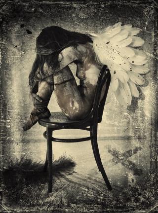donna-angelo-sedia